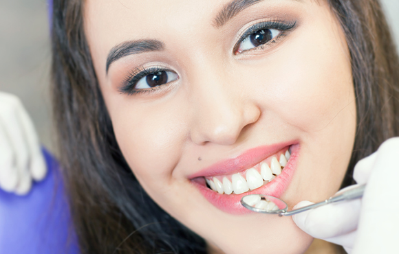 dental clinic whitening services